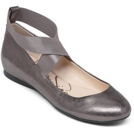 Jessica Simpson Womens Mandayss Closed Toe Flats