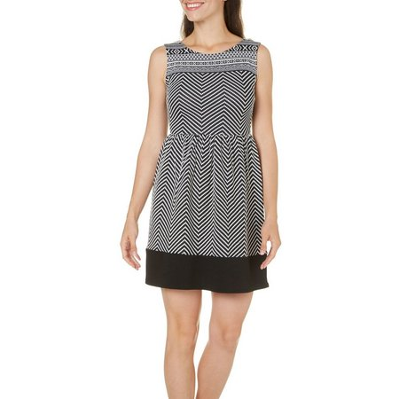 Gilli Womens Chevron Printed Fit & Flare Dress