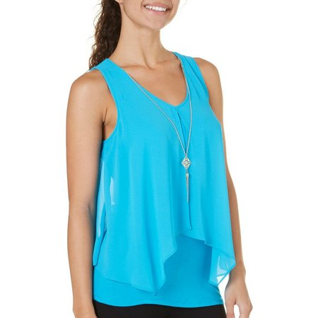 A. Byer Juniors Necklace & Solid Popover Tank