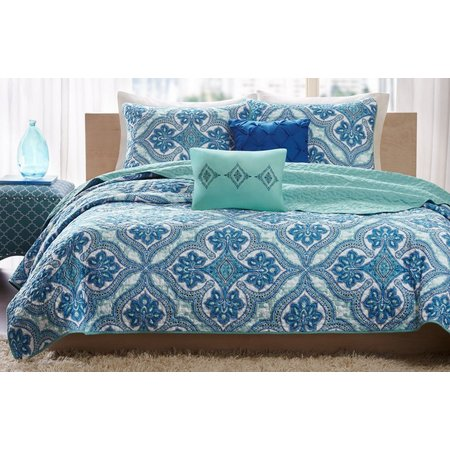 Intelligent Design Lionna Blue Coverlet Set
