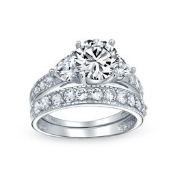 BLING Silver Heart Side Stones Wedding Ring Set