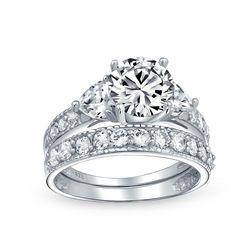 BLING Silver Heart Side Stones Wedding Ring Set