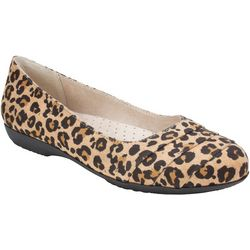 Cliffs by White Mountain Womens Clara Leopard Flat