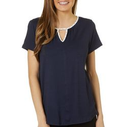 Dept 222 Womens Solid Dotted Trim Keyhole Short Sleeve Top