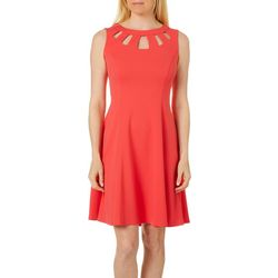 AGB Womens Solid Caged Neckline Sleeveless Shift Dress
