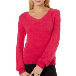 Almost Famous Juniors Solid Textured V-Neck Sweater