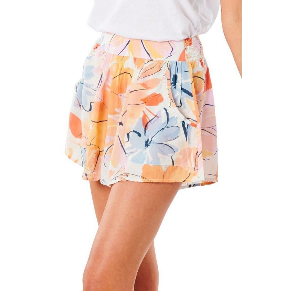 Juniors Smocked Waistline Floral Shorts   Bealls