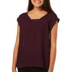 Juniors Ribbed Neck High-Low Top