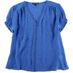 Tint & Shadow Petite  Lace Puff Sleeve Top