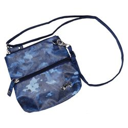 Glove It Blue Camo Zip Bag
