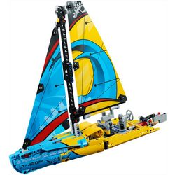 Lego Technic Racing Yacht Building Set