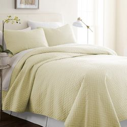 Home Collections Premium Soft Herring Quilted Coverlet Set