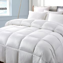Serta Light Warmth Down Fiber Comforter