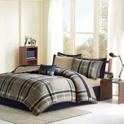 Intelligent Design Robbie Comforter & Sheet Set