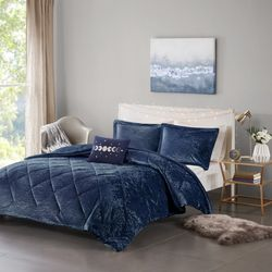 Intelligent Design Felicia Velvet Comforter Set
