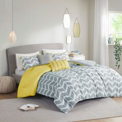 Intelligent Design Nadia Yellow Comforter Set