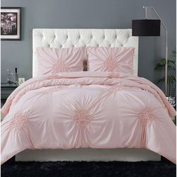 Christian Siriano Georgia Rouched Comforter Set