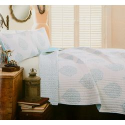 Lush Home Teardrop Leaf Quilt Set
