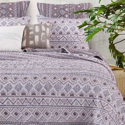 Greenland Home Fashions Denmark Quilt Set