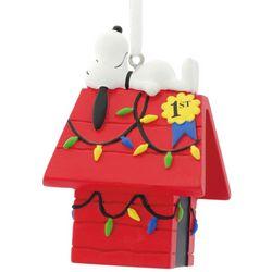 Hallmark Peanuts Snoppy & Dog House Ornament